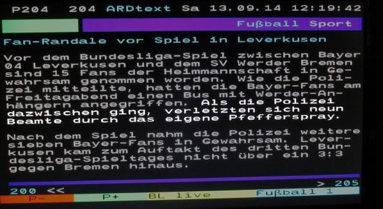Bildschirmfoto des ARD-videotextes vom 13. september 2014, 12:19 uhr, seite 204. Zitat: 'Als die Polizei dazwischenging, verletzten sich neun Beamte durch das eigene Pfefferspray.'