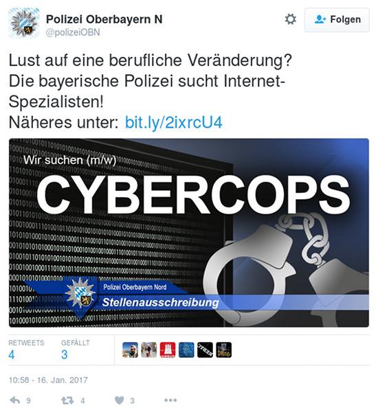 Screenshot eines fiepsers von @polizeiOBN: 'Lust auf eine berufliche Veränderung? Die bayerische Polizei sucht Internet-Spezialisten! Näheres unter bit.ly/2ixrcU4 -- mit einem Bild einer schwarzen Wand voller Nullen und Einsen, davor gestellten Handschellen und dem großen Text 'Wir suchen (m/w) CYBERCOPS'.