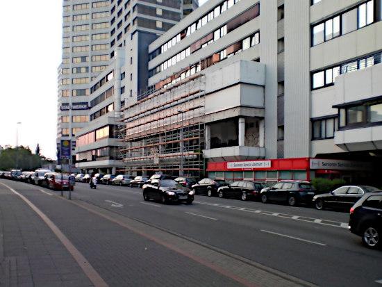 Senioren-Zentrum im Ihmezentrum von der Blumenauer Straße aus gesehen